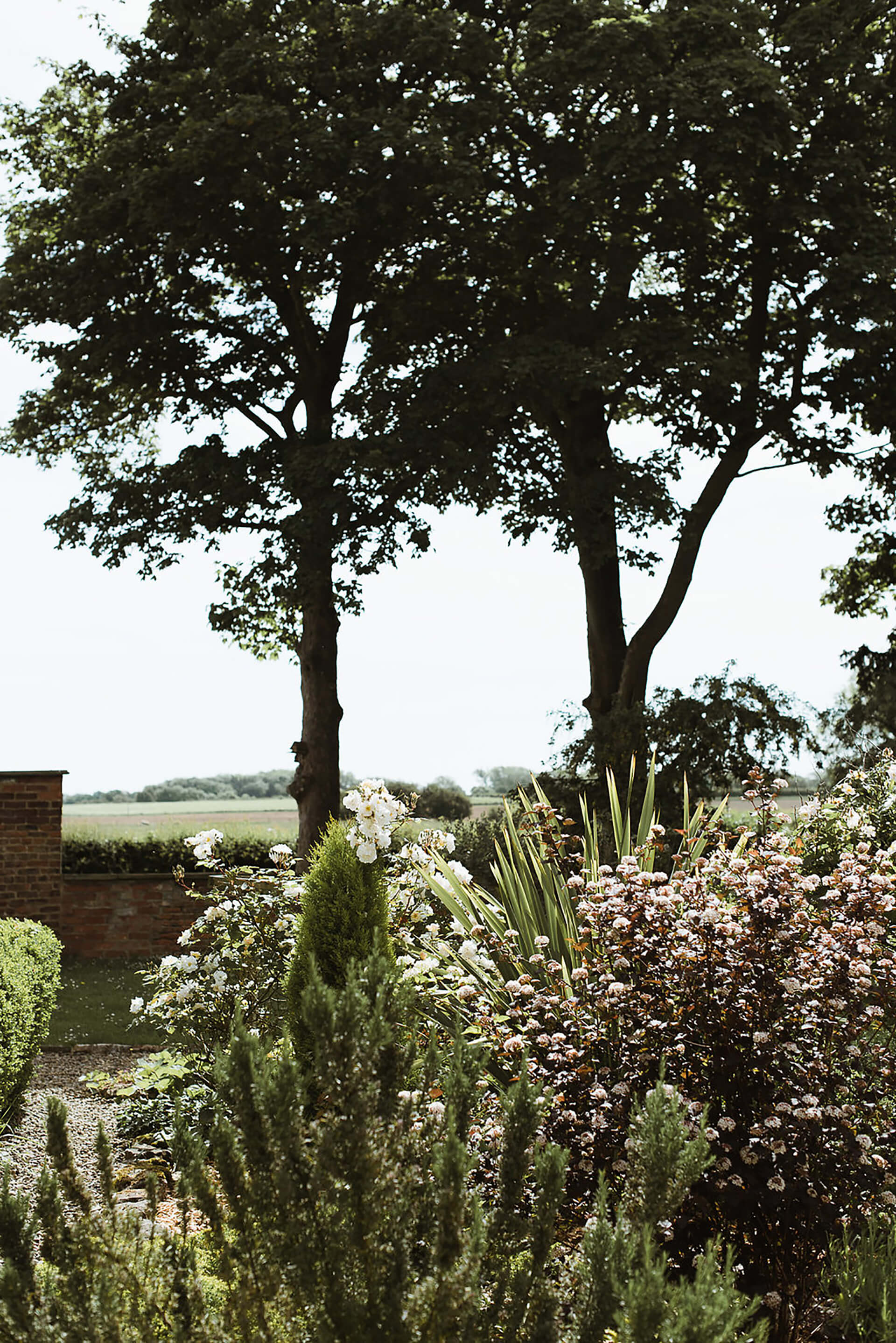 "The stunning Manor grounds shot by <a href=""http://www.alexandraholtphotography.com/"" target=""_blank"">Alexandra Holt</a>"