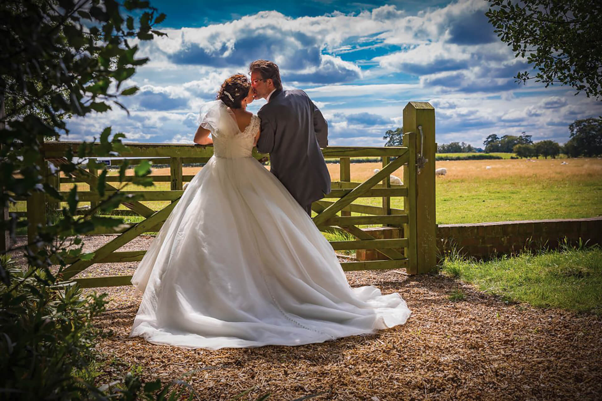 "What a gorgeous photo of Hannah and Mark, taken by <a href=""http://www.chrisreidphotography.co.uk /"" target=""_blank"">Chris Reid</a>."