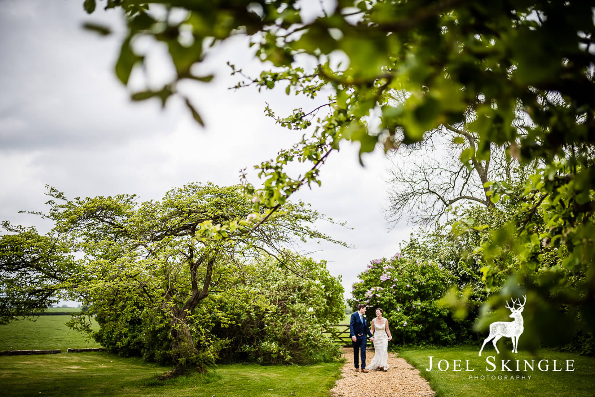 "<a href=""http://www.joelskinglephotography.co.uk/"" target=""_blank"">Joel Skingle</a>'s beautiful shot of Stacey and Pete."