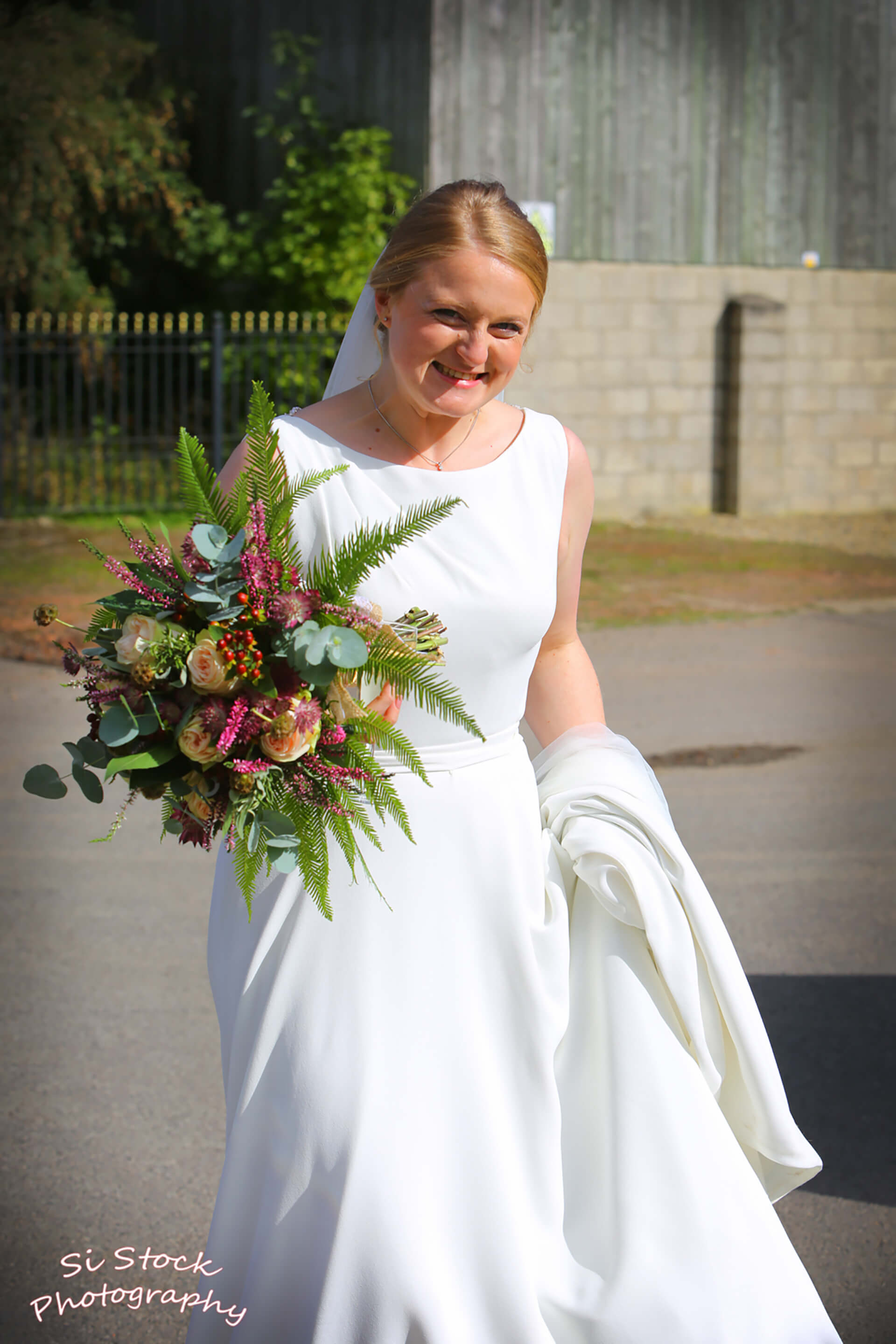Our beautiful bride Jess photographed by Simon Stock.